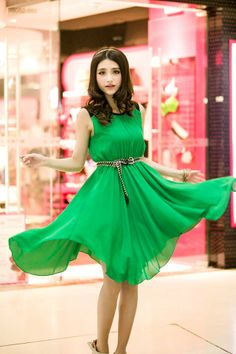 Free shipping !2014 Summer women's new green chiffon sleeveless irregular Dress $24.70