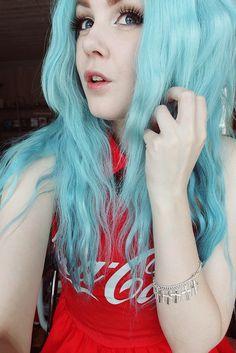 Preciso nem dizer nada _💙 ♥_ _♥_ ▼ ▼ with ▼ ▼ ▼ ▼ ▼ ▼ ▼ ▼ ▼ ▼ ▼ ▼ Hair Color Pink, Cool Hair Color, Purple Hair, Hair Colors, Dyed Red Hair, Colored Curly Hair, Light Blue Hair, Galaxy Hair, Neon Hair