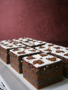 Csokoládés krémes Cold Desserts, No Bake Desserts, Dessert Recipes, Hungarian Desserts, Hungarian Recipes, Pasta Cake, Torte Cake, Sweet Cookies, Sweet And Salty