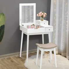 Modern makeup vanity table is the most important part of your luxurious life. A Vanity table with a suitably cushioned stool at the corner of your room will Modern Makeup Vanity, Modern Vanity Table, Vanity Table Set, Makeup Table Vanity, Makeup Vanities, Vanity Set, Reading Table, White Vanity, Beauty Case