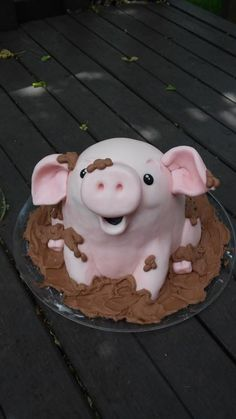 Pig in the Mud Cake Fondant Birthday Cakes, Cute Birthday Cakes, Animal Birthday Cakes, Amazing Birthday Cakes, Fondant Cakes, Pig Cakes, Baby Cakes, Sloth Cakes, Pig Roast Party