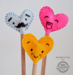 Homemade Felt Pencil Toppers. Make cute and fuzzy DIY pencil toppers using felt, fabric glue (or you can sew them), and markers!