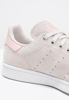 Baskets basses adidas Originals STAN SMITH - Baskets basses - pearl grey/white/vapour pink gris: 109,95 € chez Zalando (au 25/10/16). Livraison et retours gratuits et service client gratuit au 0800 915 207.
