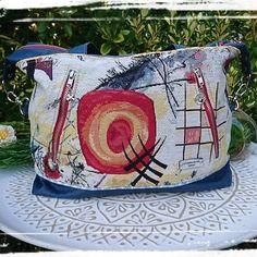 lafontainedesfaits Aujourd'hui j'ai sactonié 😍, j'ai vraiment adoré voir évoluer ce sac Java small de chez #sacotin. Ce sac est une petite merveille d'organisation avec ses 3 poches zippées et 8 poches intérieures Fournitures jacquard #tissusdesursules, lin enduit, coton et bouclerie #lamerceriedescreateurs #lafontainedesfaits #artisanat #faitmain #etsyfrance #coutureaddict #sacotin #nouvellevie #madeinfrance #fabriqueenfrance #sac #creationfrancaise