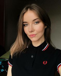Girls in Polo Shirts Polo Outfits For Women, Polo Shirt Outfits, Polo Shirt Girl, Polo Shirt Design, Polo Shirt Women, Clothes For Women, Polo Shirt Style, Fred Perry Shirt, Fred Perry Polo