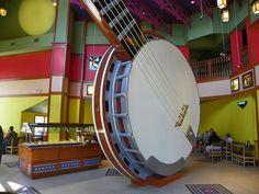 Big banjo at Papa Grands Pizza - Branson, MO