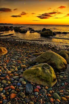 Golden Lights on a Rocky Shore - Newfoundland Beautiful Sunset, Beautiful World, Beautiful Places, Gros Morne, Rocky Shore, Newfoundland And Labrador, Newfoundland Canada, Amazing Nature, Beautiful Landscapes