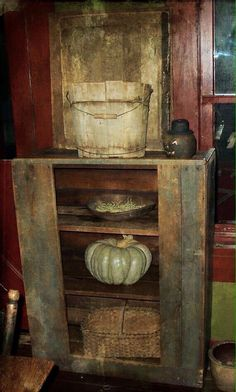 Country Furniture for large homes Primitive Living Room, Farmhouse Living Room Furniture, Primitive Furniture, Country Furniture, Farmhouse Kitchen Decor, Dining Rooms, Primitive Home Decorating, Primitive Homes, Primitive Kitchen