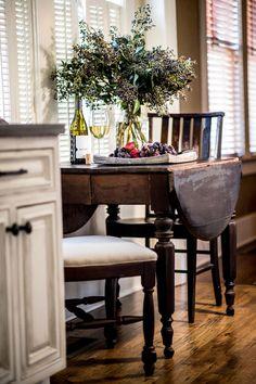 Awesome Style Antique Walnut English Drop Leaf Table W