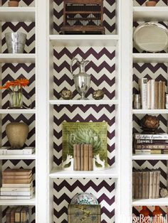 Herringbone pattern-backed bookshelves. Design: Christina Murphy. Photo: Jonny Valiant. housebeautiful.com. #bookshelves #books