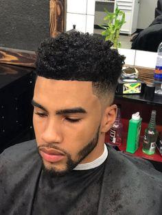 Love this 💕 men's hair in 2019 стрижка. Black Boys Haircuts, Black Men Hairstyles, Cool Haircuts, Hairstyles Haircuts, Haircuts For Men, Black Hair Cuts, Black Curly Hair, Curly Hair Men, Tapered Haircut