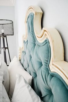 Velvet headboard. THIS IS EXACTLY WHAT I NEED!