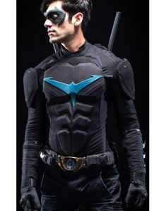 Nightwing Cosplay, totally epic-this is Danny Shepherd from the online Nightwing series Nightwing Cosplay, Nightwing Costumes, Batman Cosplay, Cosplay Dc, Cosplay Outfits, Best Cosplay, Cosplay Ideas, Robin Cosplay, Cosplay Armor