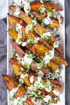 A veganized version of the spicy, sweet roasted yams from Venice's Gjelina, with a to die for lime sunflower seed sauce. Fodmap, Baked Yams, Vegetarian Recipes, Healthy Recipes, Healthy Foods, Clean Eating, Healthy Eating, Vegan Dishes, Gastronomia