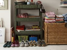 Personal Organizers' Secrets: Industry experts reveal the dirty details to help keep your home organized and clean.
