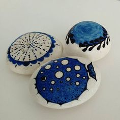❤ #handmade #sassidipinti #stonepainting #stonelovers #inkart #handpainted #tasboyama #piedraspintadas #artesanato #pebbles #painted #dibujarte #bluefish #jellyfish #acrilicpainting #acrilicart #blowfish #fishdesign #fondodelmar #giftwithlove #artofinstagram #peces #pedreta