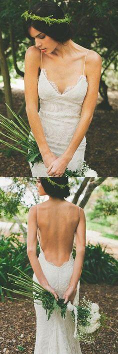 Ombreprom Elegant V-neck Backless White Wedding Dress with Sweep Train Spaghetti Straps Bridal Gown (OB645)