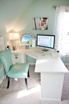 Exactly what kind of desk I want - and my soothing color scheme