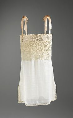Chemise Date: 1920–28 Culture: French Medium: linen, cotton, silk http://www.metmuseum.org/collection/the-collection-online/search/155867?=&imgno=1&tabname=object-information