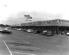 Temple Terrace Florida 1958  Kwik Chek grocery store. Kwik Chek was the forerunner of Winn Dixie.