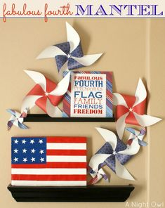 Fabulous Fourth Mantel | #patriotic #pinwheels #printable