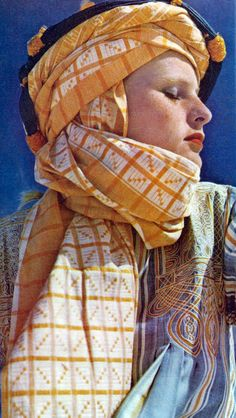graphic scarf, yellow, white, details, sky blue, desert style, hot, summer repin: Sacha for Vogue UK 1973