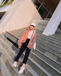 Modern Hijab Fashion, Street Hijab Fashion, Hijab Fashion Inspiration, Muslim Fashion, Korea Fashion, Fashion Ideas, Stylish Hijab, Casual Hijab Outfit, Cute Casual Outfits