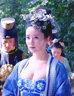 Hanfu: traditional Chinese costume. Zhang Tong in 'Empress of China'.