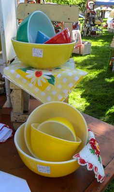 Yes, Pyrex made a complete set of nesting bowls in solid yellow . . . pink too!