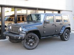 I like the flat black look, that this jeep has!