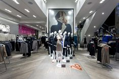 Oasis flagship store by Dalziel and Pow, London