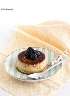 Flam d'ametlles a doble capa Mini Desserts, Just Desserts, Delicious Desserts, Yummy Food, Sweets Recipes, Mexican Food Recipes, Cooking Recipes, Tapas, Puddings