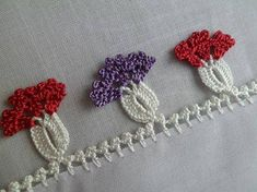 This Pin was discovered by Ses Crochet Ornaments, Crochet Patterns, Crochet Ideas, Diy And Crafts, Crochet Earrings, Projects To Try, Embroidery, Jewelry, Crochet Appliques