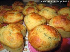 Syrové muffiny s cesnakom a bylinkami