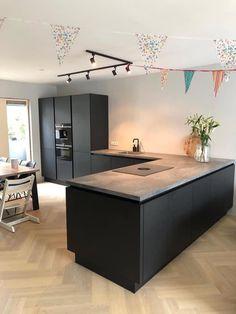 Luxury Kitchen Design, Kitchen Room Design, Home Decor Kitchen, Interior Design Kitchen, Home Kitchens, Kitchen Dining Living, Cuisines Design, Küchen Design, Apartment Interior