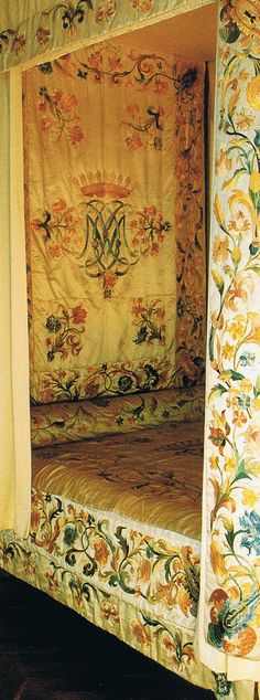 "The ""Filley de la Barre"" bed - late 17th or early 18th century embroidered white satin bed canopy"