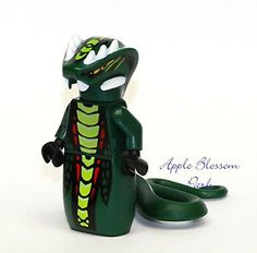 NEW Lego Ninjago ACIDICUS MINIFIG - Dark Green Yellow Snake Monster Figure 9450