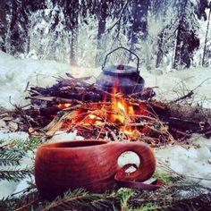 また、遊牧民だったサーメの人々は常にククサを腰から下げ、ラム酒やブランデーを飲みながら、北極星に思いを巡らせながら自然と対話し、自然の声を聞いていたとも言われています。