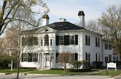 Reggie Darling: September 2010  The Elijah Boardman House, built 1792  New Milford, Connecticut  Image courtesy of the New Milford Historical Society
