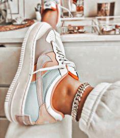 Mode Converse, Sneakers Mode, Cute Sneakers, Sneakers Fashion, Cute Nike Shoes, Cute Nikes, Jordan Shoes Girls, Girls Shoes, Trendy Shoes