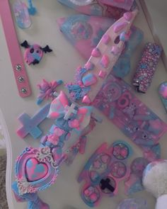 I just keep adding to the royal kawaii knife 🤩🎀💕💖💜 💎🎀 Estilo Goth Pastel, Pastel Goth Outfits, Pastel Punk, Pastel Goth Fashion, Pastel Grunge, Soft Grunge, Kawaii Fashion, Grunge Outfits, Knife Aesthetic