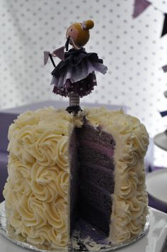 Idea for a peg doll cake topper (with bead bunches) :-)