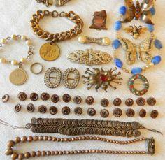 Antique-Victorian-Jewelry-Lot-43-Pcs-25-Copper-Buttons-Dress-Clips-Buckles