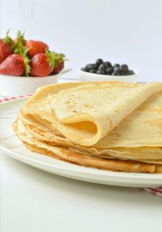 Vegan French Crepes are dairy-free, egg-free crepes made with 5 simple ingredients. Plus, we share the best vegan crepes toppings for an authentic taste. Easy Crepe Recipe, Eggless Recipes, Eggless Pancake Recipe, Vegan Food List, Vegan Foods, Vegan Snacks, Vegan Desserts, Dessert Recipes, Vegan