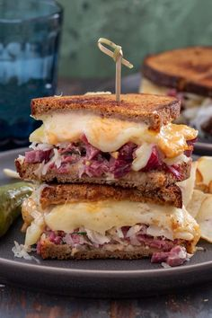 Wanna learn how to make the best Reuben sandwich? Read on and get all my tips and tricks for the gooiest, most flavorful Reuben you've ever tasted. No trip to NYC necessary! (Recipe and food photography by Olivia's Cuisine Salami Sandwich, Deli Sandwiches, Best Reuben Sandwich, Pastrami Sandwich, Sandwich Recipes, Dinner Sandwiches, Waffle Sandwich, Breakfast Sandwiches, Sandwich Cookies