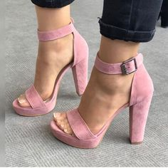 ♕pinterest/amymckeown5 Open Toe, High Heels, Sandals, Shoes, Fashion, High Heels Mules, Slide Sandals, Moda, Sandal