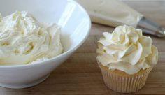 O Buttercream de Chocolate Branco é delicioso e tem um acabamento perfeito para…