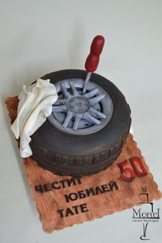 Automobile tyre - Cake by Mina Avramova Birthday Cakes For Men, Car Cakes For Boys, Bmw Cake, Jeep Cake, Semi Truck Cakes, Mechanic Cake, Tire Cake, Allroad Audi, 40th Cake