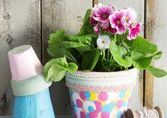 Maalaa ja koristele kukkaruukut