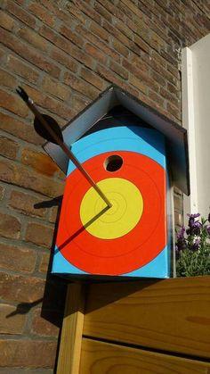 What a brilliant archery birdhouse!